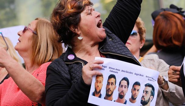Protesta por la sentencia de la Justicia en la Ciudad de la Justicia de Valencia