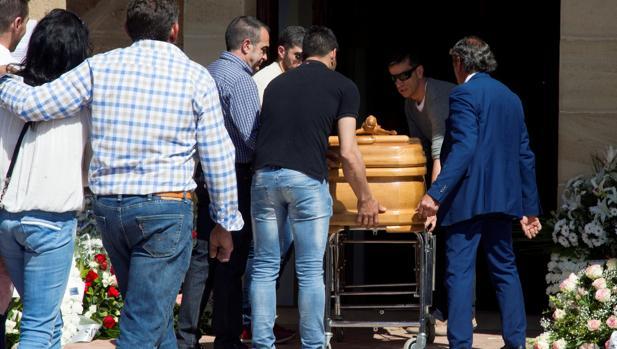Funeral por Leticia Rosino, el pasado domingo en Tábara (Zamora), presuntamente asesinada por un menor