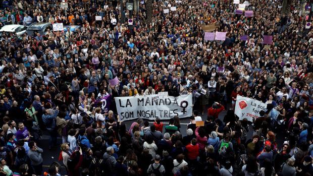 Cientos de personas se manifiestan en Valencia el día del fallo judicial
