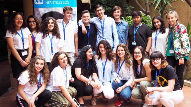 Adolescentes participantes en V Jornadas de Jóvenes de Aldeas Infantiles SOS