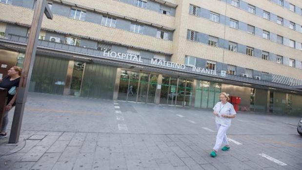 Los padres acudieron a este centro hospitalario al comprobar que su hija no se encontraba bien