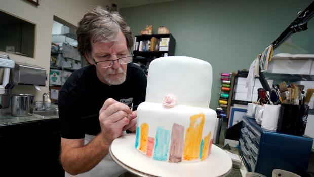 Jack Phillips en su pastelería en en Lakewood, Colorado