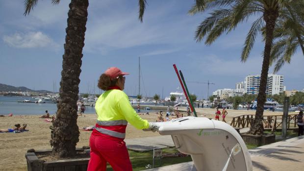 Imagen de archivo de la playa de Sant Antoni