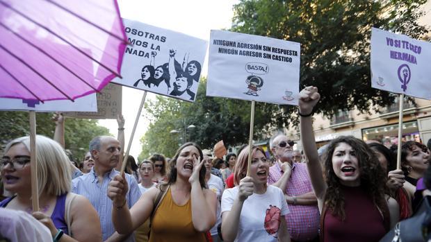 Concentración contra la puesta en libertad de los miembros de la Manada