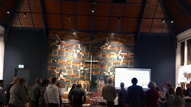 Interior de la Iglesia evangelista de Bethel, en La Haya donde se acoge a la familia armenia