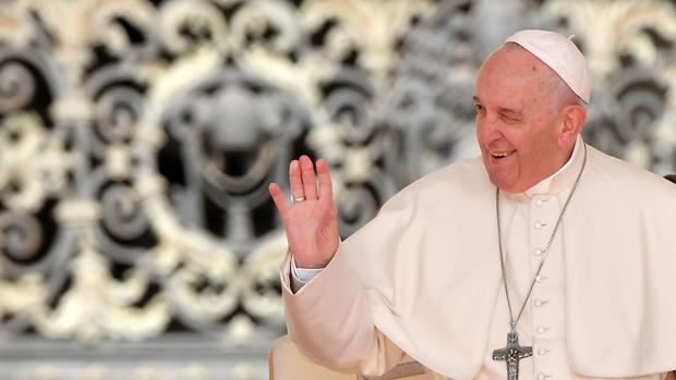El Papa manifiesta a los franceses su «gran afecto» y «profundo dolor» por el incendio de Notre Dame
