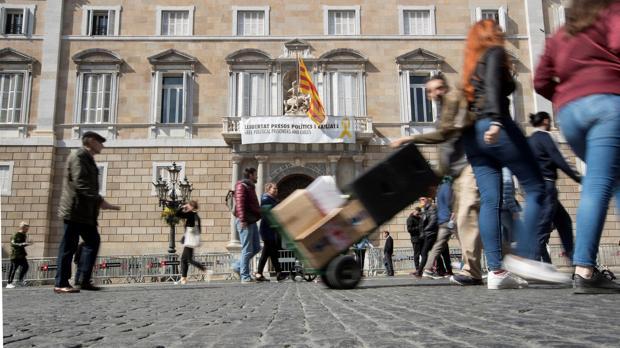 «La Generalitat de Cataluña está abandonando a las personas dependientes. La situación es catastrófica»