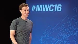 Zuckerberg defiende que internet es un «derecho» al tiempo que critica la carrera por las redes 5G