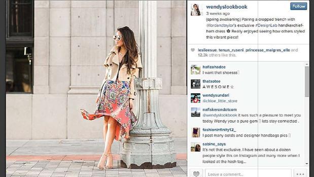 La bloguera Wendy Nguyen posa con un vestigo en una fotografía patrocinada