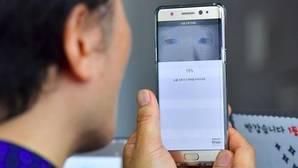 La seguridad en los «smartphones»: huella dactilar frente al reconocimiento ocular