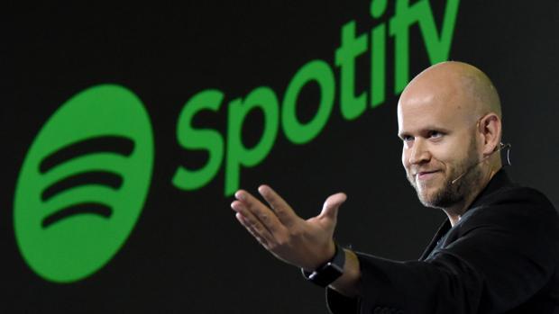Daniel Ek, CEO del servicio de música en «streaming» sueco Spotify, en una rueda de prense en Tokio, Japón