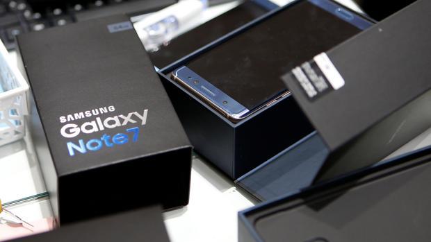 Varios Samsung Galaxy Note 7 en una de las tiendas en Seúl
