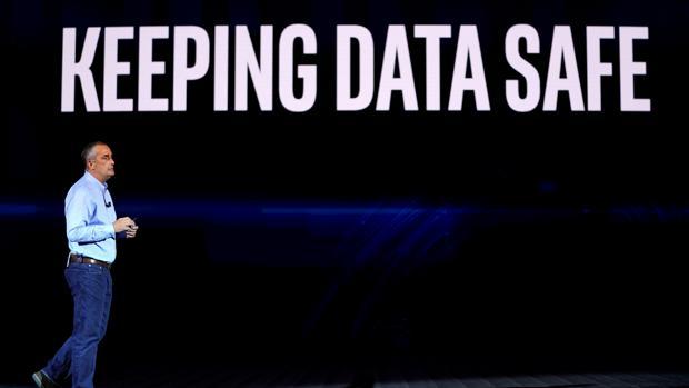 Brian Krzanich, consejero delegado de Intel, durante su intervención en el CES