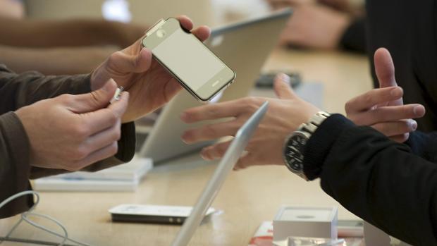 Apple suma demandas con la ralentización de las baterías de sus dispositivos