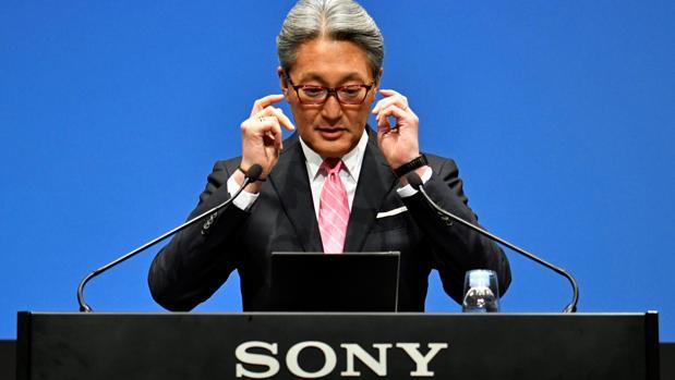 Kazuo Hirao, CEO de Sony durante la presentación de resultados