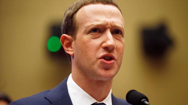 Mark Zukerberg durante la comparecencia ante el Congreso de los Estados Unidos