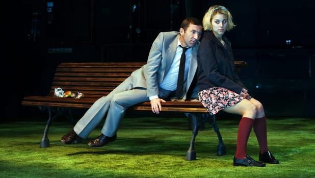 Antonio de la Torre y Nausicaa Bonnín, en una escena de «Grooming», una obra que trata de este problema