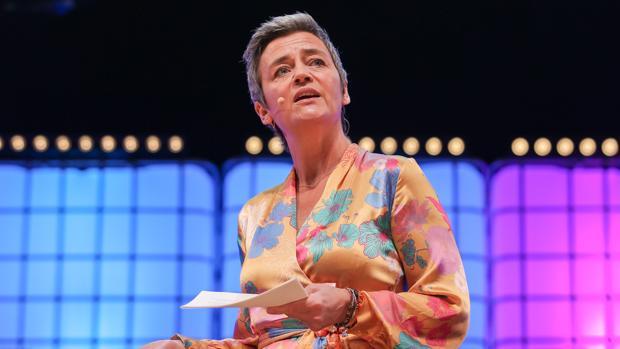 La comisaria europea de Competencia, la danesa Margrethe Vestager, pronuncia su discurso
