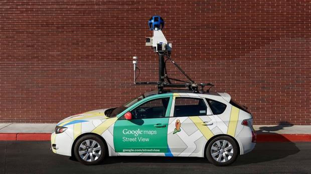 Coche de Google dotado con los sensores que miden la contaminación