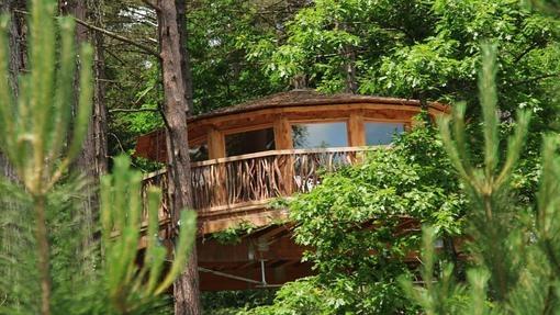 Caba as en los rboles para amantes de la naturaleza - Cabana txantxangorria ...