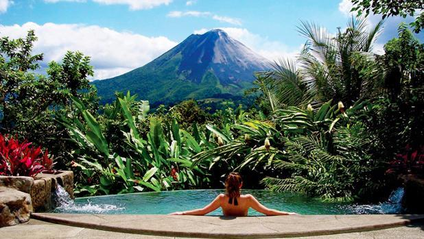 Volcán Arenal, una estampa inigualable de belleza natural