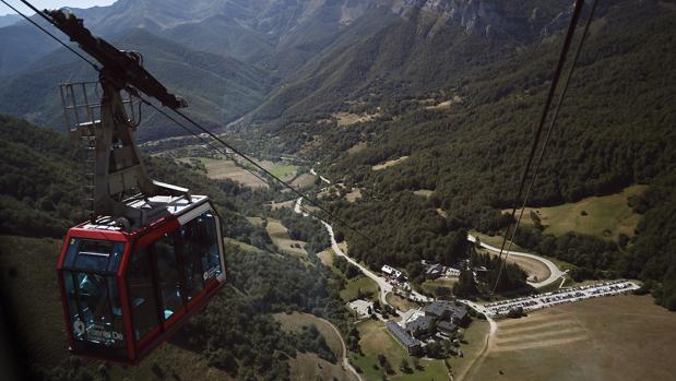 Una cabina del Teleférico de Fuente Dé, en el Parque Nacional de los Picos de Europa
