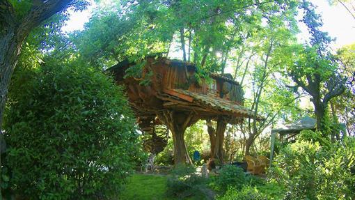 Casita del árbol, en Fuentes (Cuenca)