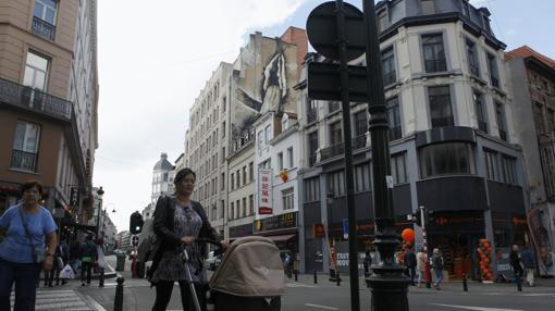 Otra de las imágenes de contenido sexual que dividen la opinión de los habitantes de Bruselas