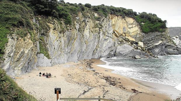 Vistas de la playa de Murilola en Barrika