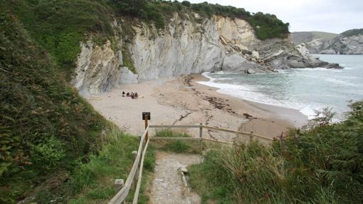 Acceso a la playa de Muriola