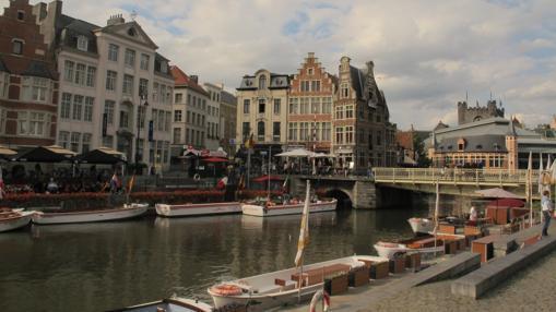 Canales y casas típicas de Gante