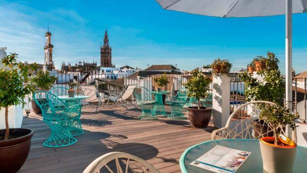 Espléndida terraza del Hotel Amadeus. Fuente: hotelamadeussevilla.com