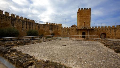 Castillo Trovador Macías