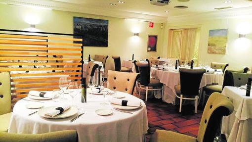 Sala del restaurante Gayarre, en Zaragoza