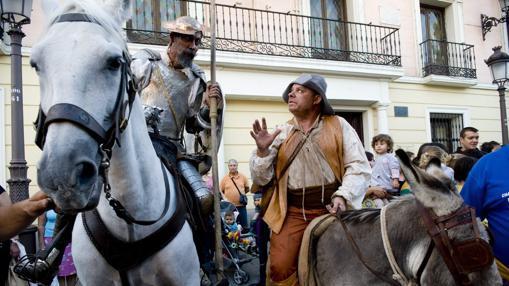 Don Quijote y Sancho, en el mercado cervantino de Alcalá de Henares