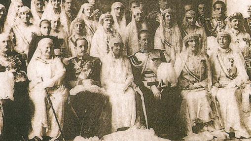 En 1929, el día 9 de Marzo, Isabel Alfonsa contrae matrimonio con el Conde Juan Cancio Zamoyski y Borbón