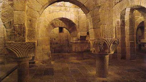 Las curiosas columnas de la cripta de San Salvador de Leyre