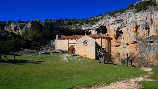 En la ermita de San Bartolomé termina una ruta fácil y espectacular