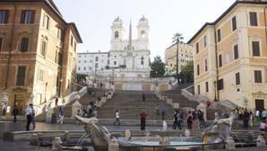 La escalinata de la Plaza de España, de nuevo degradada