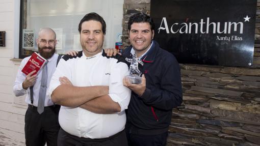 El equipo de Acanthum, celebrando su estrella Michelin