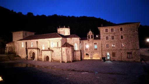Anochecer en Santo Toribio de Liébana, Cantabria