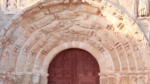 Arco románica rural, en Atienza