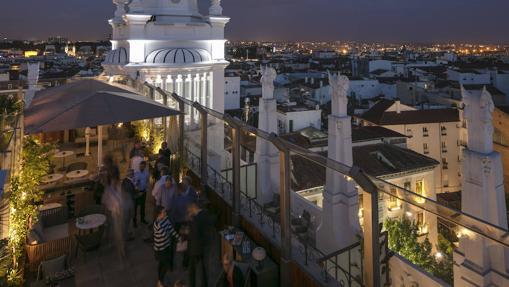 Radio Rooftop Bar, con vistas sobre Madrid