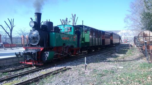 Cinco trenes turísticos llenos de historia de España