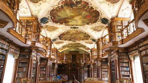 Biblioteca del convento de Saint Gallen, patriomnio de la Unesco