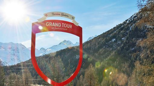 Detrás del glaciar Morteratsch verá las cumbres más altas de los Alpes orientales: Piz Bernina, Piz Palü, Piz Roseg y Bellavista