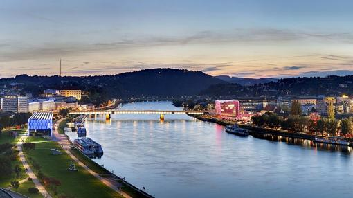 La zona más moderna de Linz, junto a la orilla del Danubio