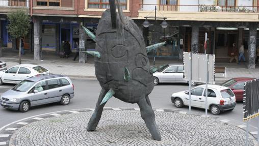 Escultura de Andrés Nagel en la rotonda Zubitxea de Amorebieta