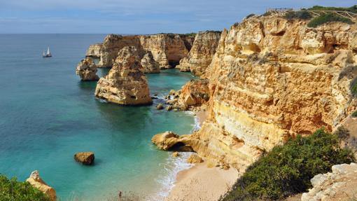 Praia da Marinha en Portugal