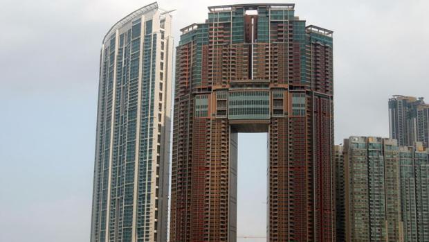 La curiosa razón por la que los edificios de China tienen agujeros